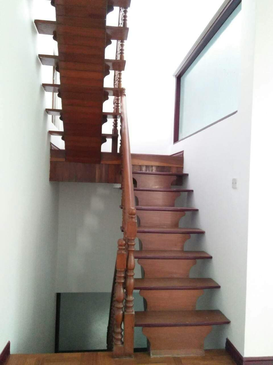 Very Nice Two Storey House 15 Minutes Drive To Kandawgyi Lake In